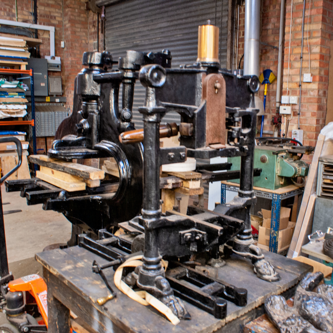 Atlas table top hand press for sale